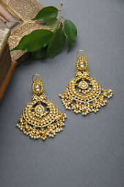 Vinaya Gold Tone Kundan Earrings With Pearls