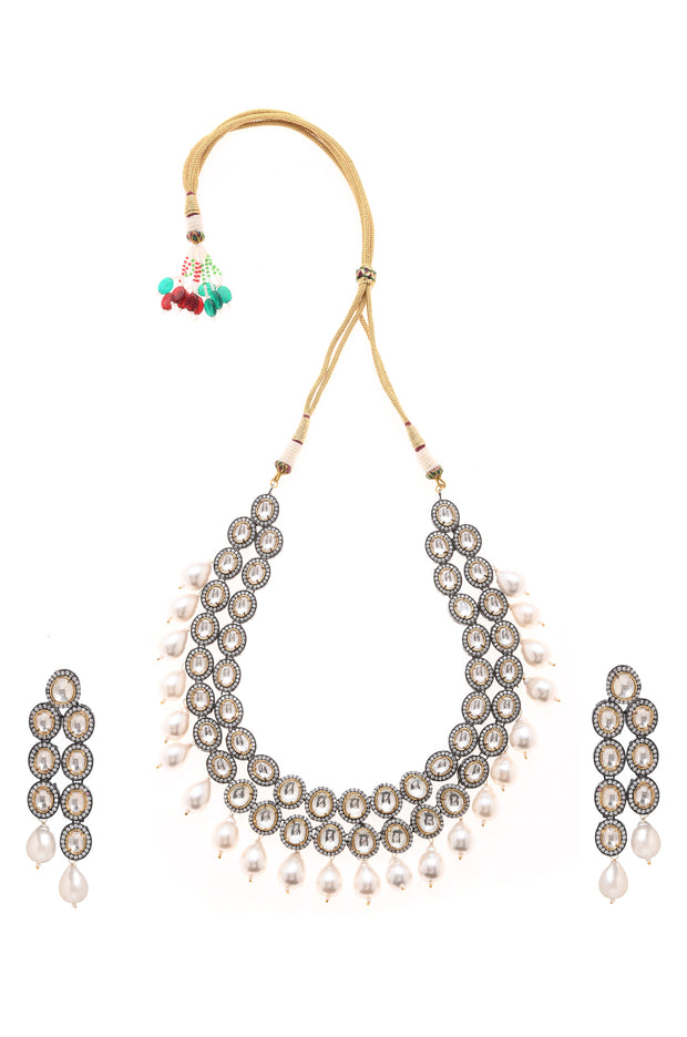 Mahika Silver Victorian Necklace with Earrings