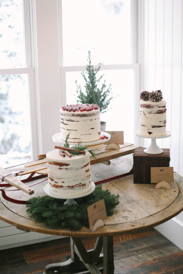 holiday inspired wedding cakes
