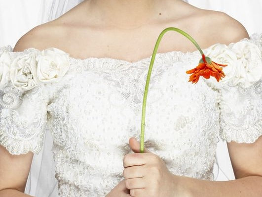 take care of your wedding flowers