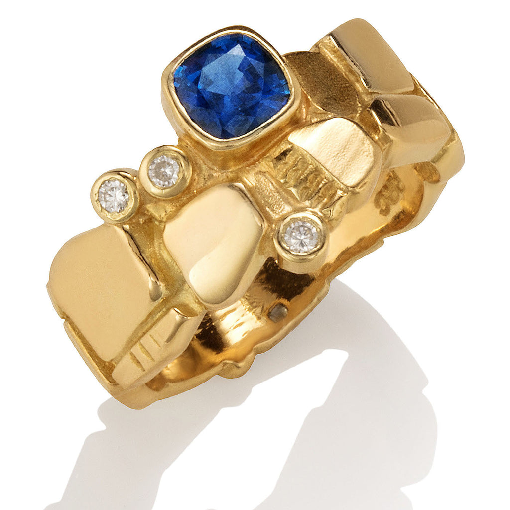 Box Ring with Sapphire
