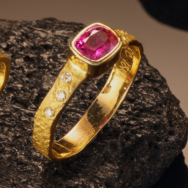 Rockhammered Band with Pink Sapphire