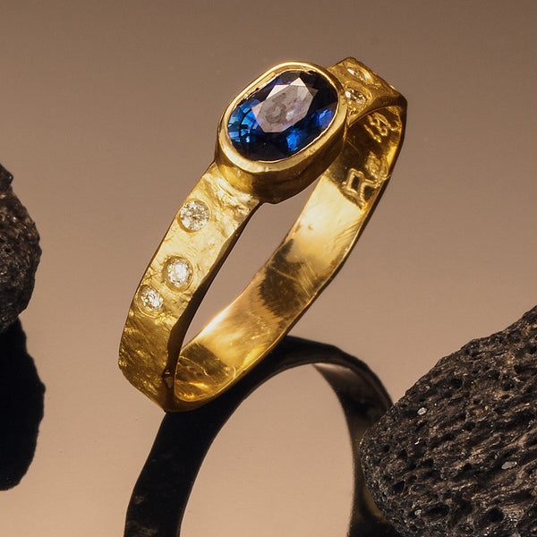 Rockhammered Ring with Ceylon Sapphire
