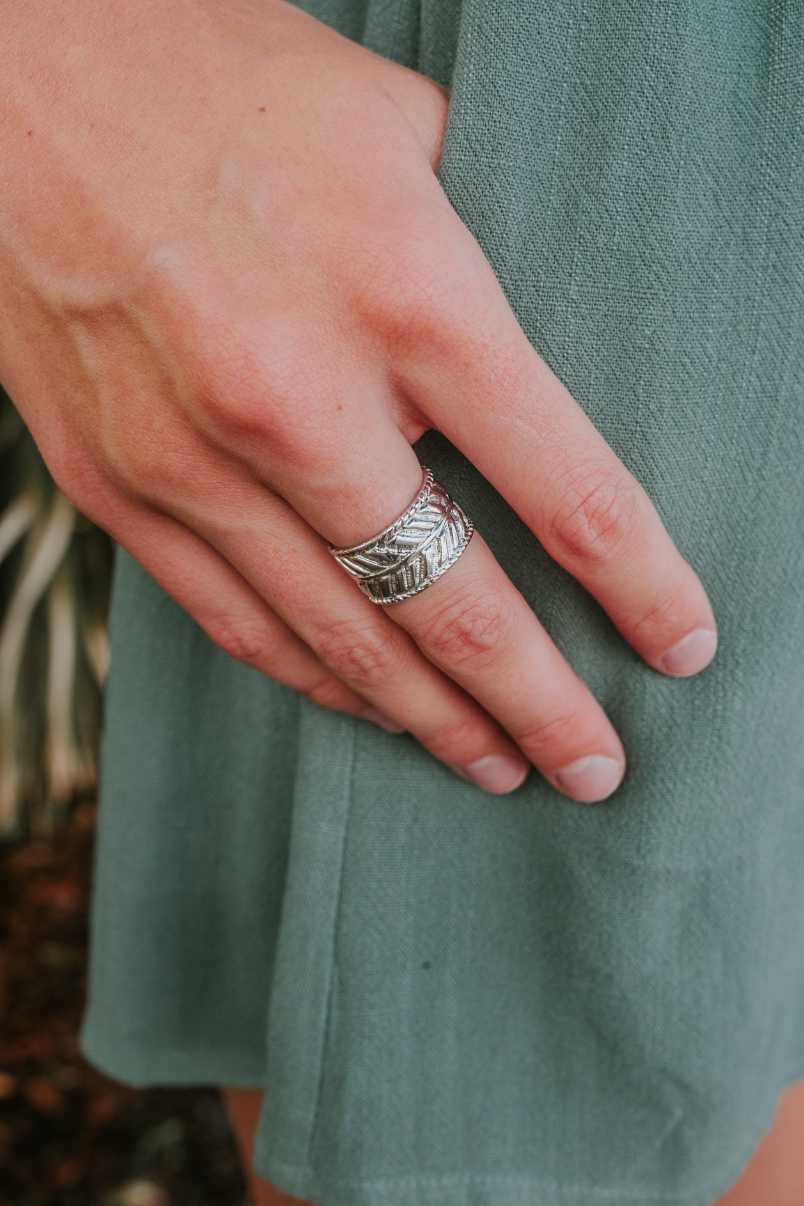 Etched Leaf Ring (Multiple Colors)
