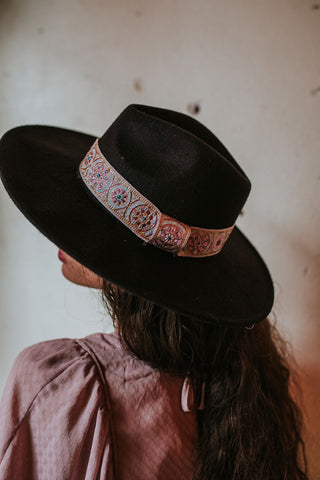Raton Embroidered Ribbon & Black Hat