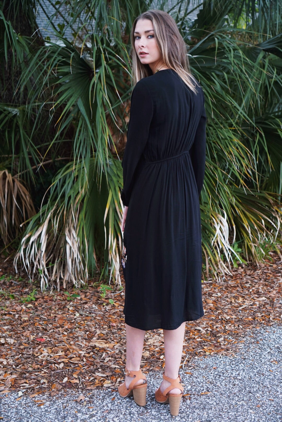 Lehi Embroidered Midi Dress