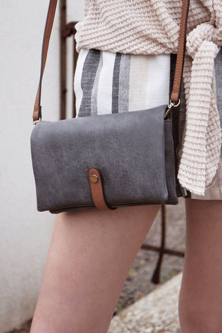 Pocket Leather Close Bag