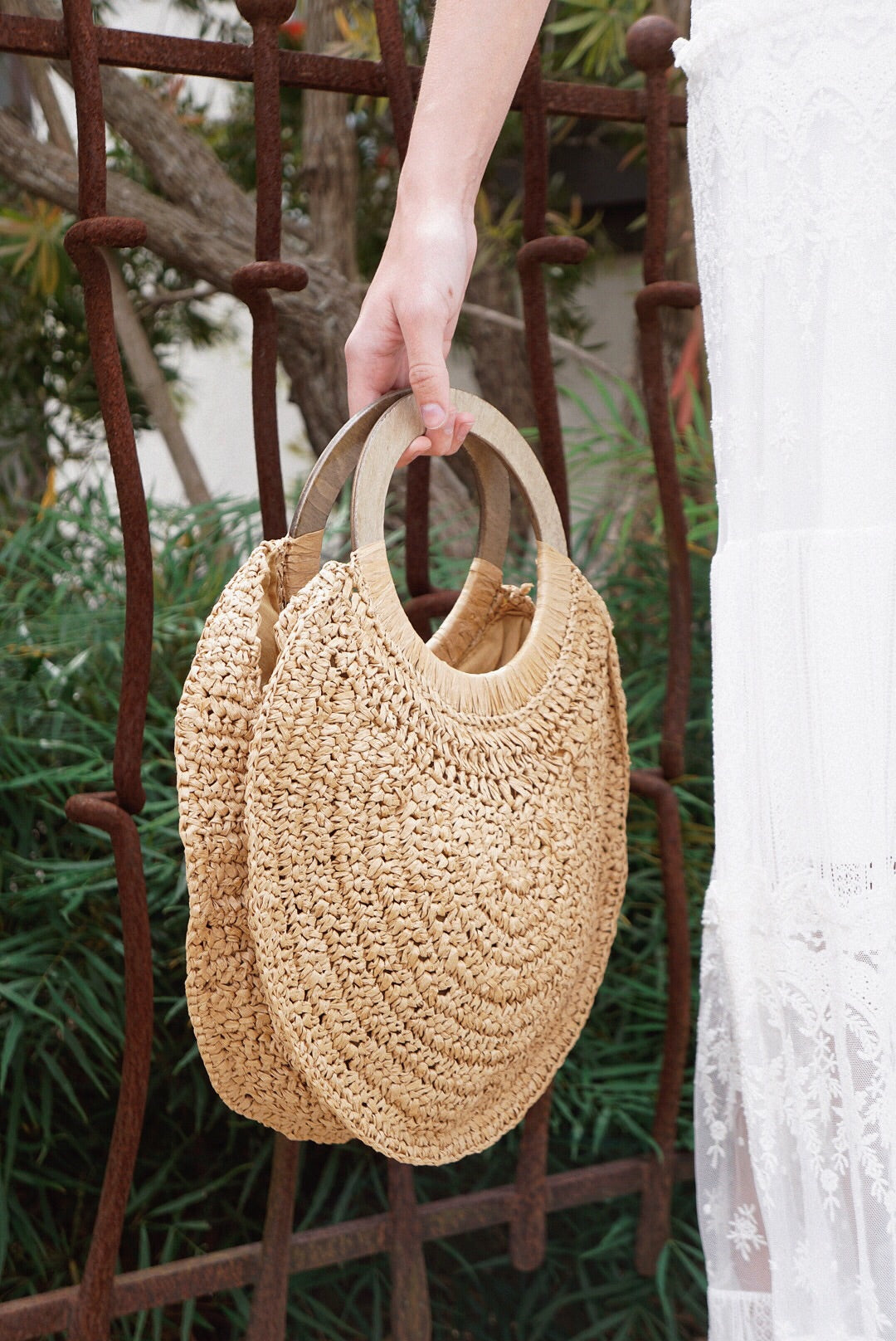 Round Wood & Straw Handle Bag