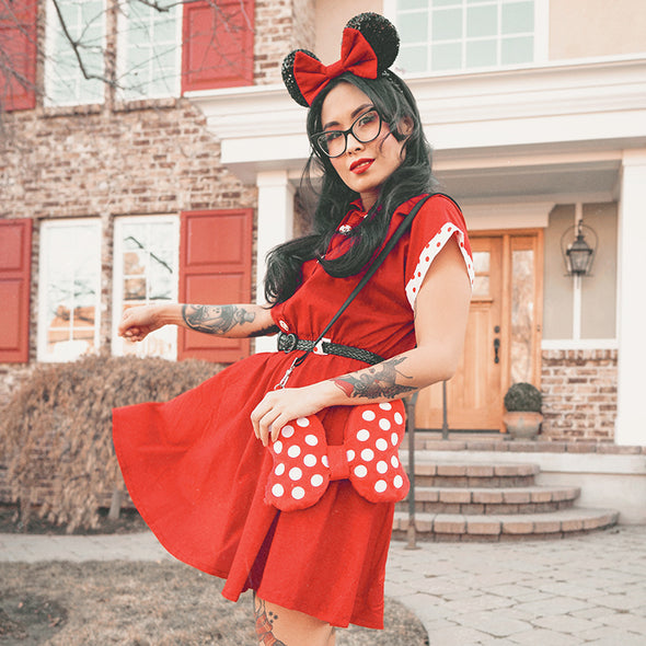 Bow Plush Crossbody Minnie Mouse Lifestyle