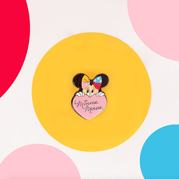 Lapel Pin Minnie Lots of Dots Lifestyle