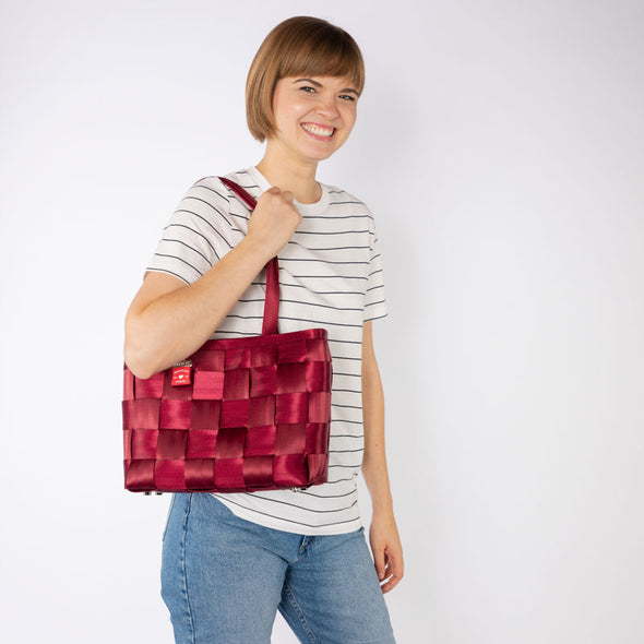 Large Tote Maroon Lifestyle