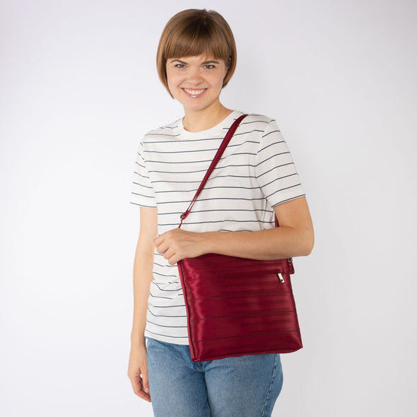 Streamline Crossbody / Maroon