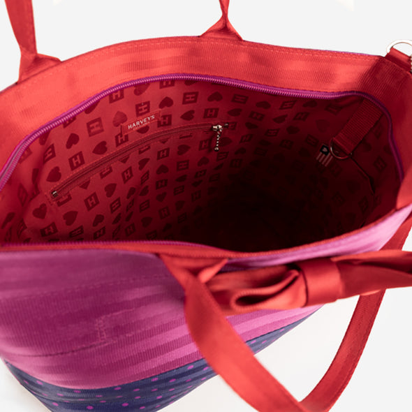Bow Medium Streamline Tote / Merry and Bright Inside