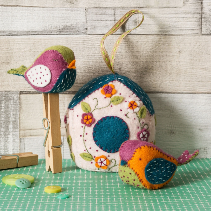 Corinne Lapierre Sewing Kit - Birdhouse and Birds