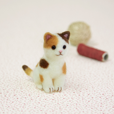 Hamanaka Aclaine Needle Felting Kit - Calico Cat (English)