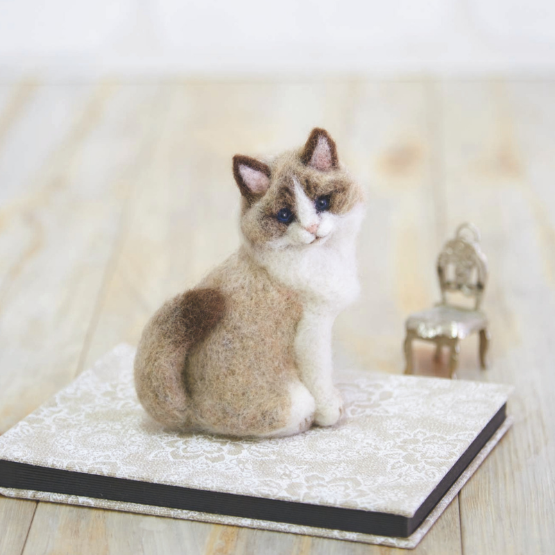 Hamanaka Needle Felting Kit - Ragdoll Cat.