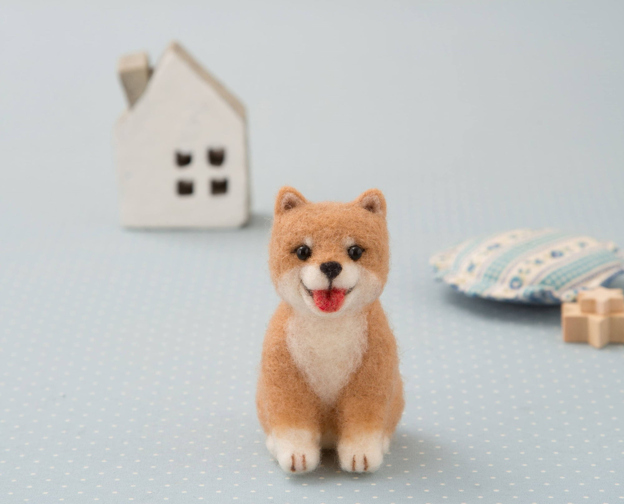 Hamanaka Aclaine Needle Felting Kit - Shiba Inu Dog