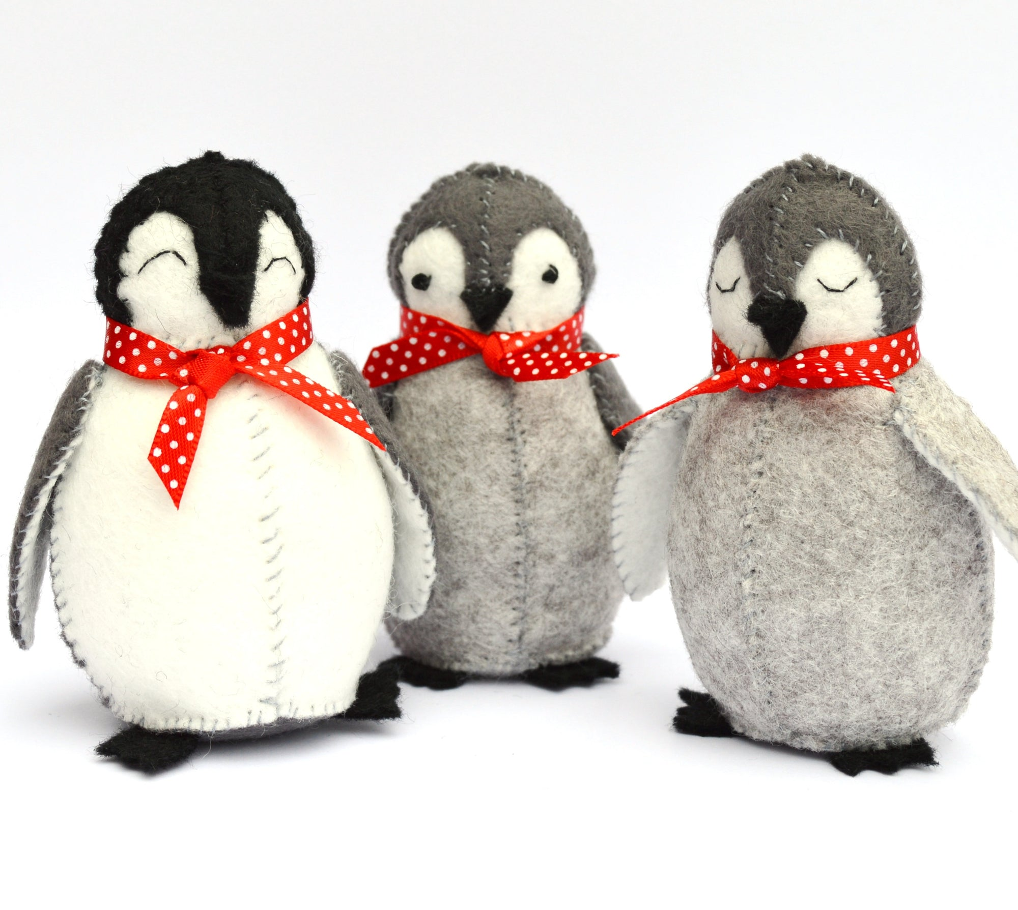Corinne Lapierre Sewing Kit - Penguin Family