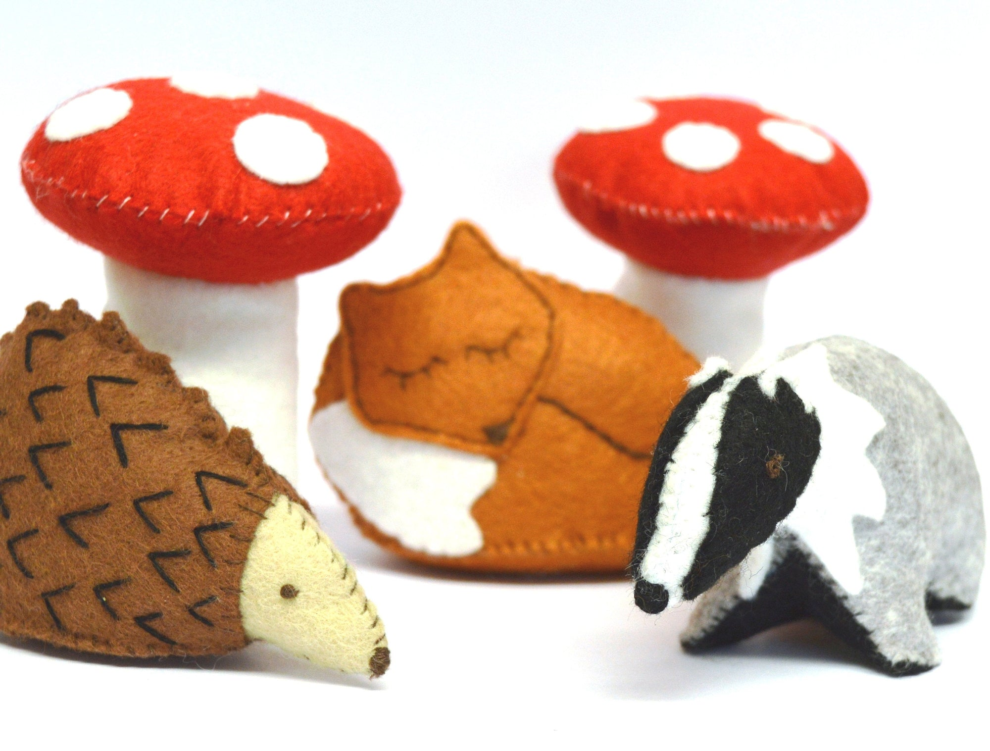 Corinne Lapierre Sewing Kit - Woodland Scene - Fox, Hedgehog, Badger and Mushrooms