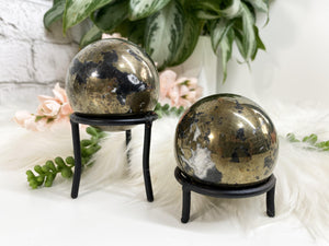 Contempo Crystals - Black Metal Sphere Stand - Image 1