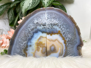 Contempo Crystals - Natural Gray Yellow White Chalcedony Agate Crystal Bookend for Home Decor - Image 3