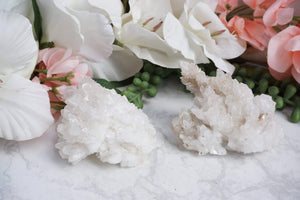 Contempo Crystals - White Aragonite cluster with a beachy vibe from Mexico. A very rare piece. - Image 1