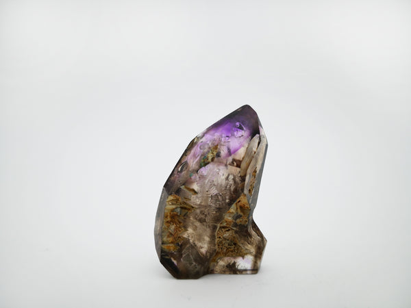 Amethyst quartz crystal with smokiness and enhydro bubbles - Meralt