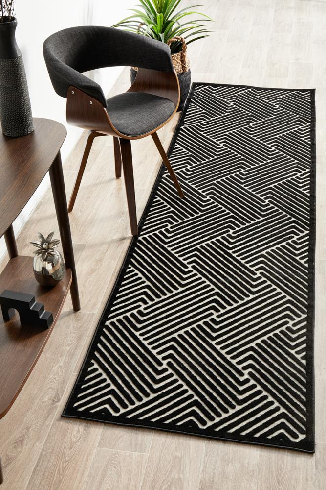York Cindy Black & Gold Runner Rug