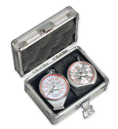 TIRE DUROMETER & TREAD DEPTH GUAGE WITH CASE