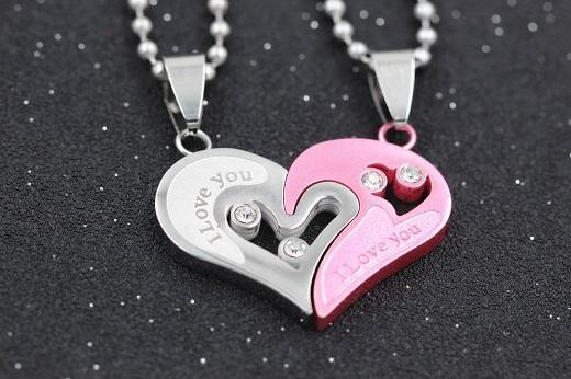 Mens Stainless Steel Chain Black White Heart Love Necklaces For Couples Paired Suspension Pendants For Men Women Sn102 5%