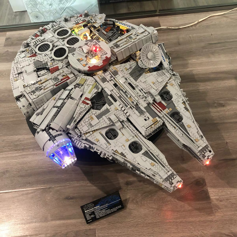 New Millenniums 8445pcs 75192 Lepining Star Wars Falcon Series Ultimate Collectors Model Building Bricks Toys