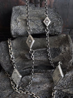 diamond-on-diamond-necklace-luxe