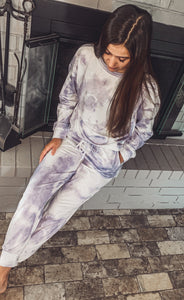 Lounge Out Tie-Dye Set