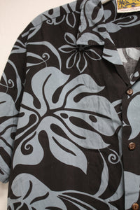 Vintage Winnie Fashion- Hawaii Black and Blue-Gray Hawaiian Shirt Size M
