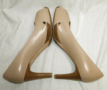 Load image into Gallery viewer, Stuart Weitzman Nude peep Toe Pump Size 7M