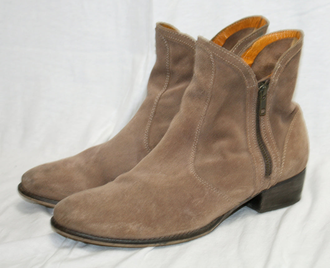 Seychelles Suede Light Brown/ Fawn Double Zip Almond Toe Ankle Bootie Size 9.5