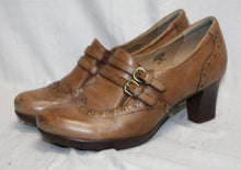 Load image into Gallery viewer, Earth Brand Brown Heeled Maryjane Shoes Size 9B