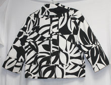 Load image into Gallery viewer, Cache Cropped Black and White Print Soft Denim Jacket 3/4 Sleeves Size S