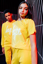 HYPE YELLOW WHITE SCRIPT KIDS CROP T-SHIRT