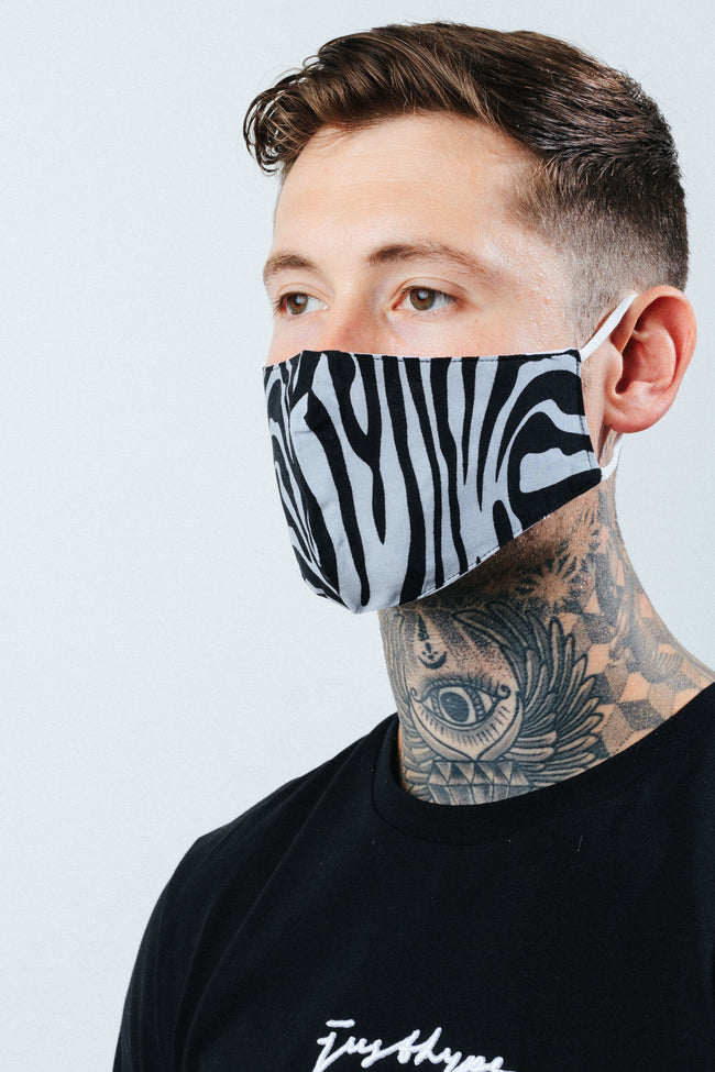 HYPE ADULT MONO ZEBRA STRIPES FACE MASK