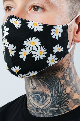 HYPE ADULT BLACK DAISIES FACE MASK
