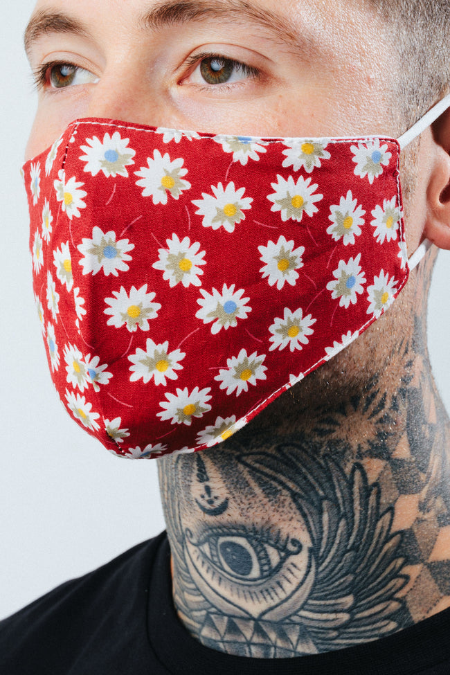 HYPE ADULT RED DAISY FIELD FACE MASK