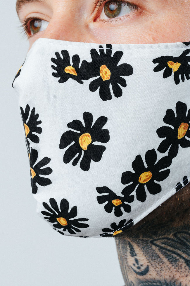 HYPE ADULT BOLD DAISIES FACE MASK