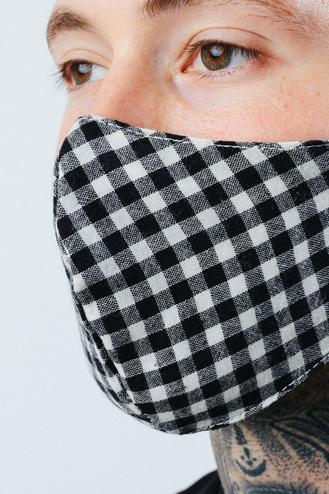 HYPE ADULT MONO CHECKERED FACE MASK