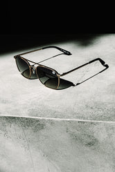 HYPE GOLD SQ AVIATOR SUNGLASSES