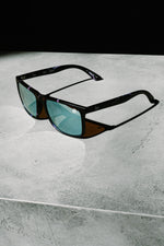 HYPE BLACK LIGHTNING SUNGLASSES
