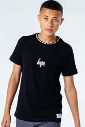 HYPE BLACK COLLAR LOGO KIDS T-SHIRT