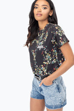 HYPE DITSY FLORAL WOMEN'S CROP T-SHIRT
