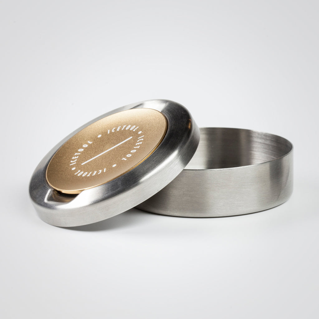 Champagne Icetool Cap Can with a lid and a separate container for used snus portions and nicotine pouches.