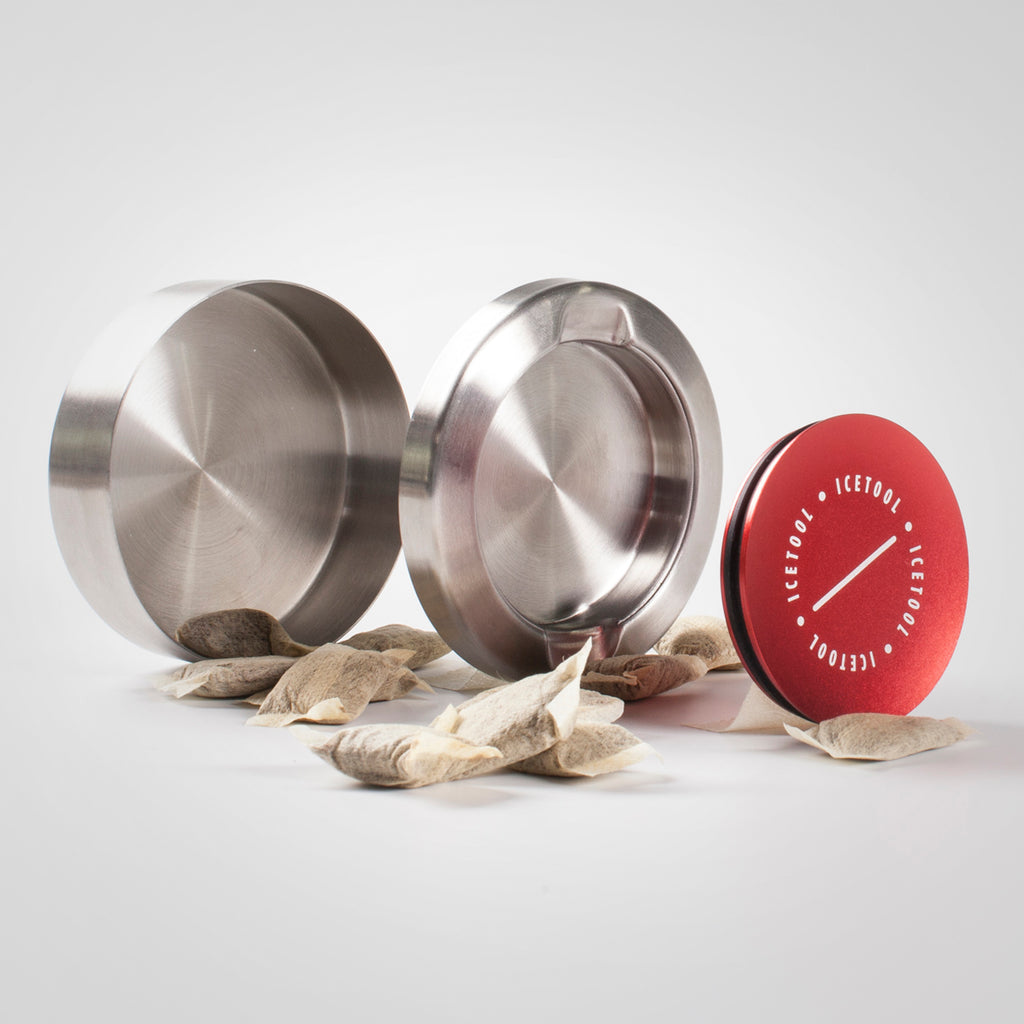 Red Icetool Cap Can with a lid and a separate container for used snus portions and nicotine pouches.
